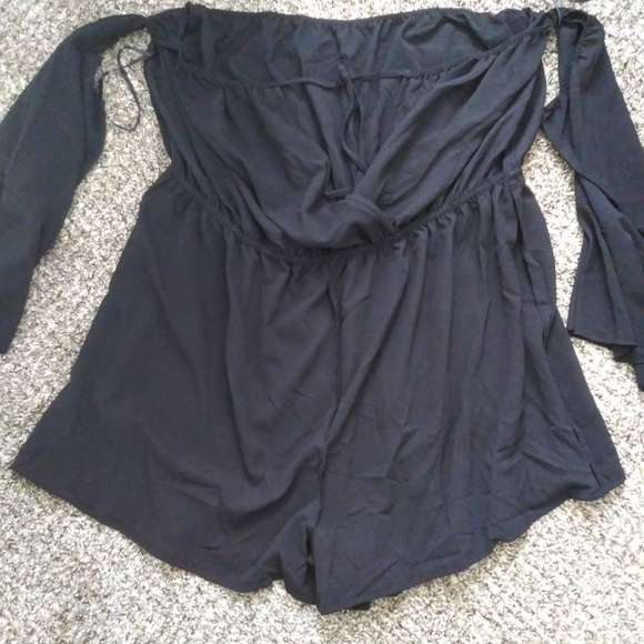 Shein 3x black rumper with attached sleeves
